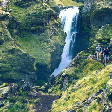 """""""Wildes Island""""                                              Zu Fuß von Skógar nach Landmannalaugar"""