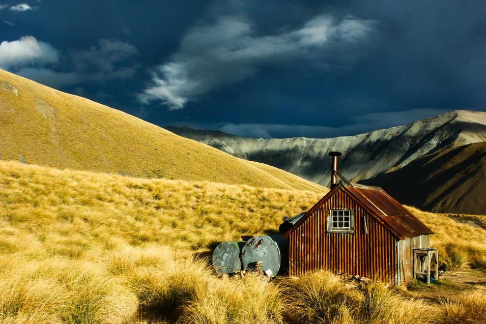 Camp Stream Hut / Te Araroa Trail