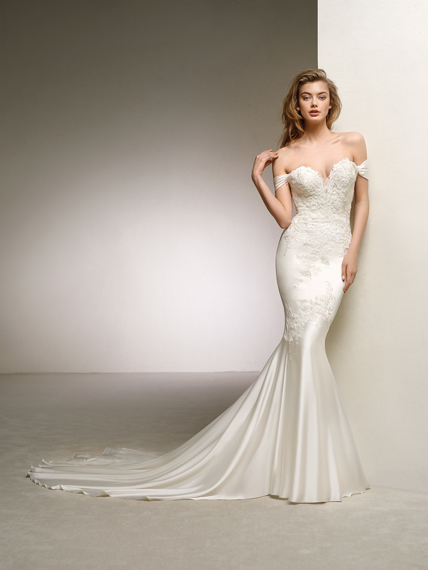 e790422f235 Pronovias Wedding Dresses in Chicago at Simply Luxe