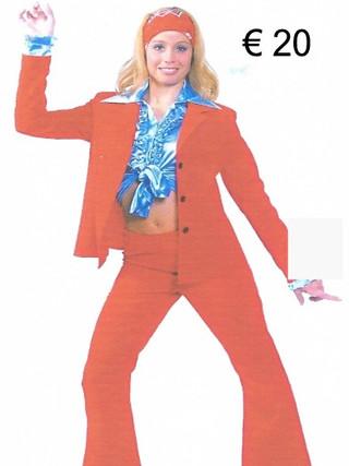 Kostuum dame rood def.jpg