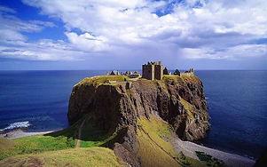 Castillo-Dunnottar-en-Escocia.jpg