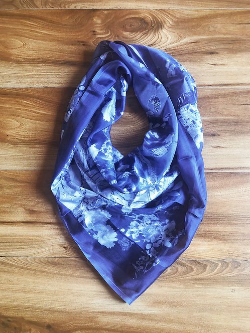125/1 - Silk square scarf