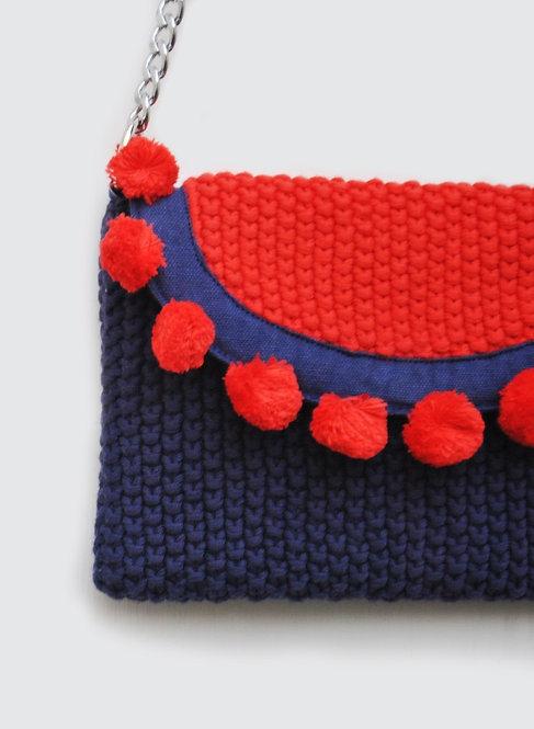 301/1 - Crochet sling bag