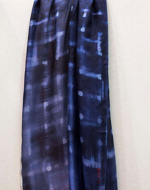 129/1 - Silk scarf