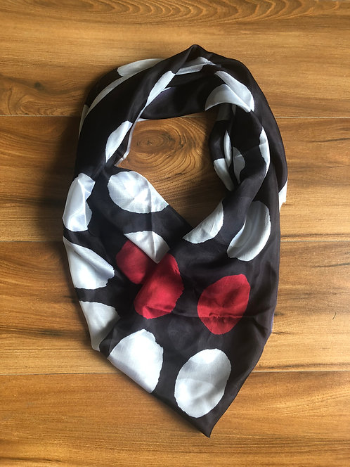 124/2 - Silk square scarf