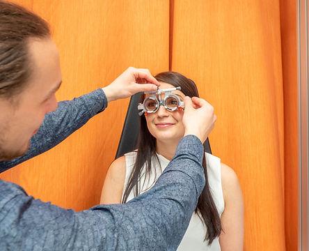 Vyšetření zraku, měření dioptrií