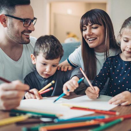 5 brincadeiras para estimular a aprendizagem com segurança
