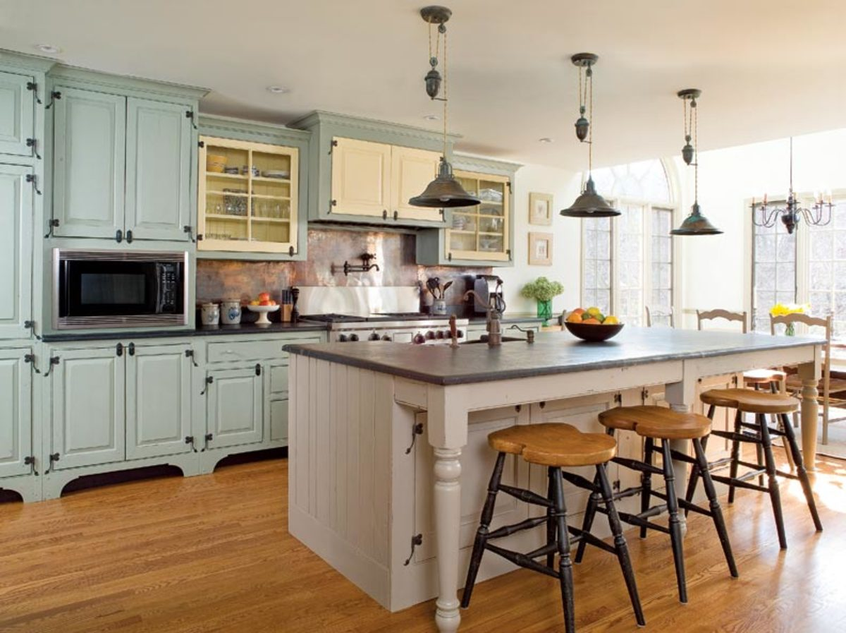 timeless-kitchen-design-blue-cabinets.jp