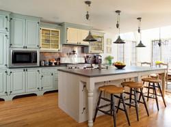 timeless-kitchen-design-blue-cabinets.jp
