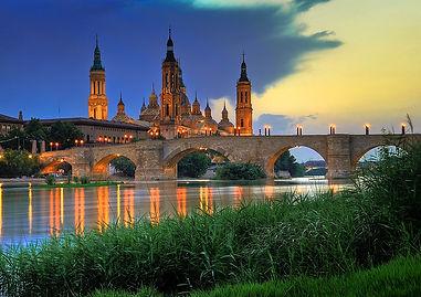Basilica_del_Pilar-sunset.jpg