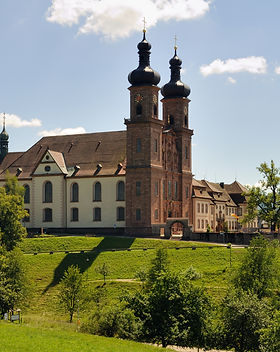 Klosterkirche_St._Peter_-_Gesamtansicht.