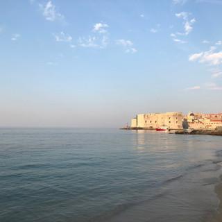 Morgensonne im alten Hafen von Dubrovnik