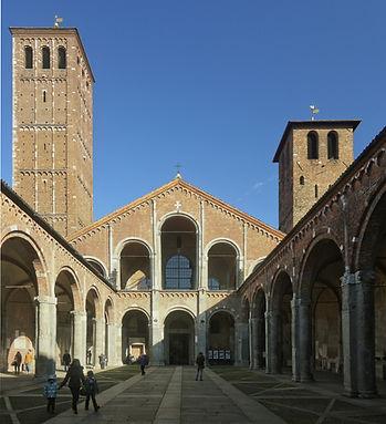 Atrium_of_the_Basilica_of_Sant'Ambrogio.