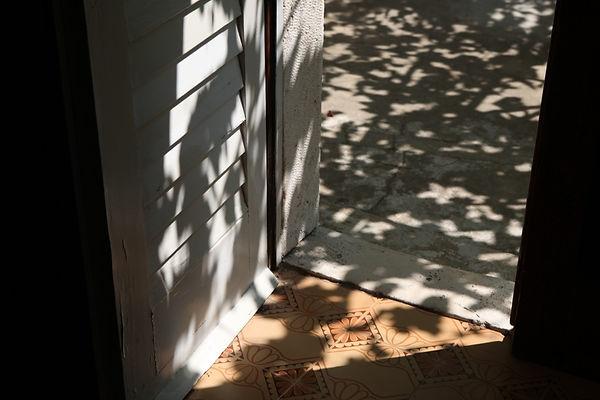 Schatten im Dorf.jpg