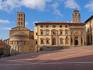 Piazza-Grande-Arezzo.jpg