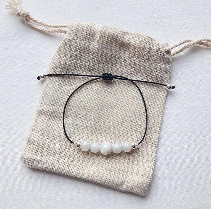 """Bracelet """"Cycle féminin"""" en Pierres naturelles, Pierre de lune"""