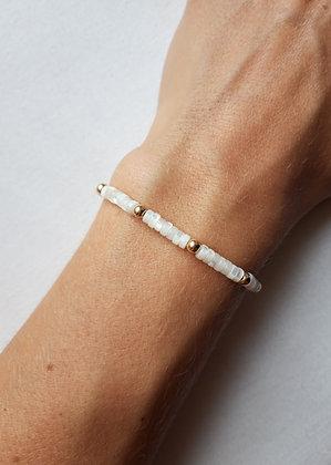 Bracelet Perles heishi en nacre naturelle et perles argent 925 doré à l'Or fin