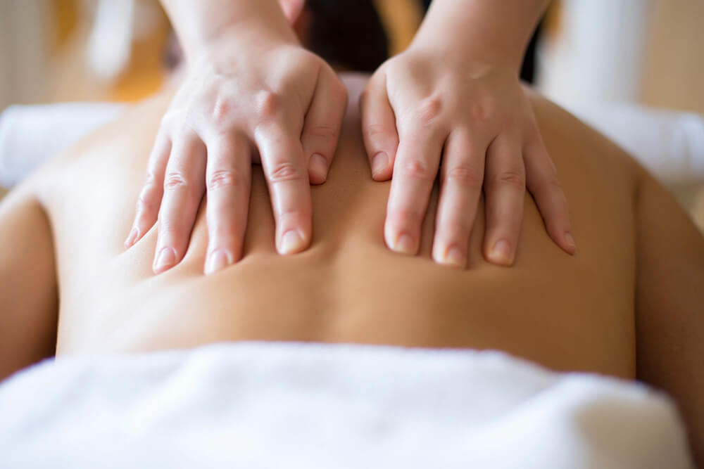 3.Classic Back Massage