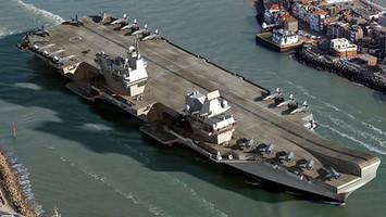 El buque de guerra HMS Queen Elizabeth, usa Windows XP