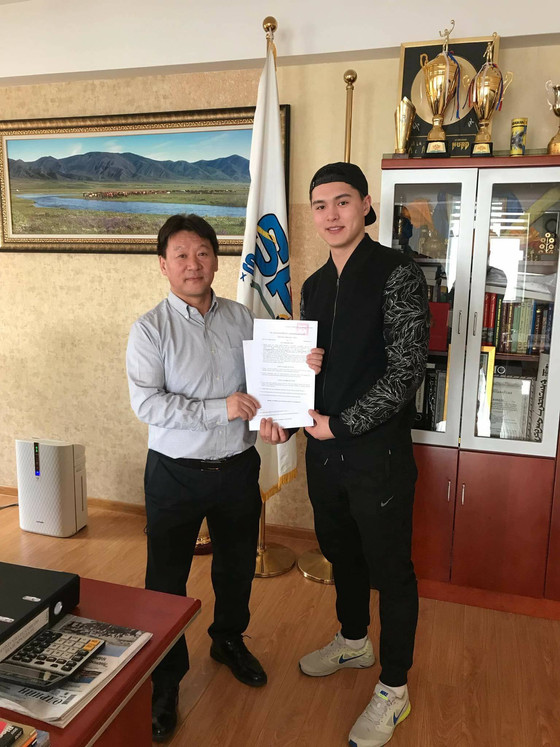 E. Munkh-Erdene Extends Contract with FC Selengepress