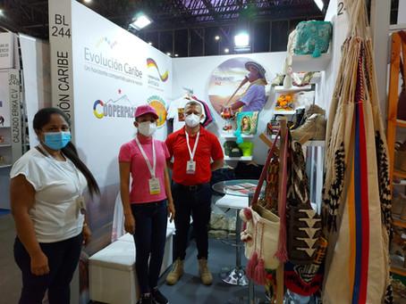 Artesapaz y Confecciones Tierra Grata en Colombiamoda