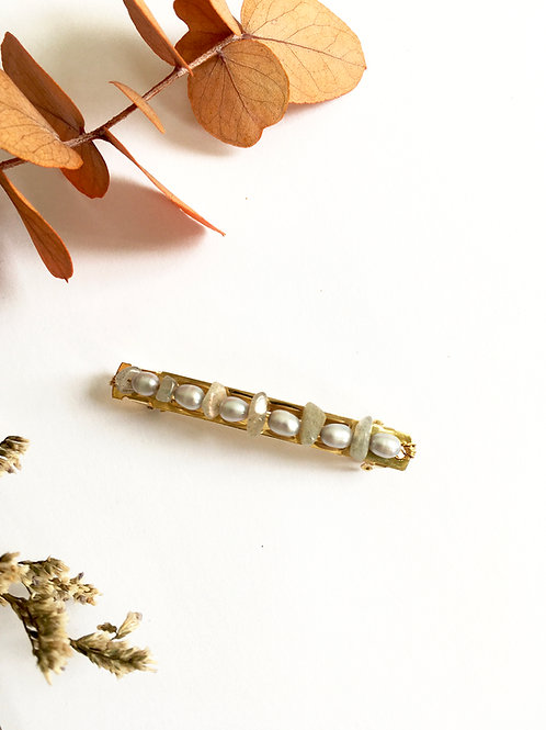 Barrette à cheveux de 6cm ornée de  perles d'eau douce grises et Labradorite
