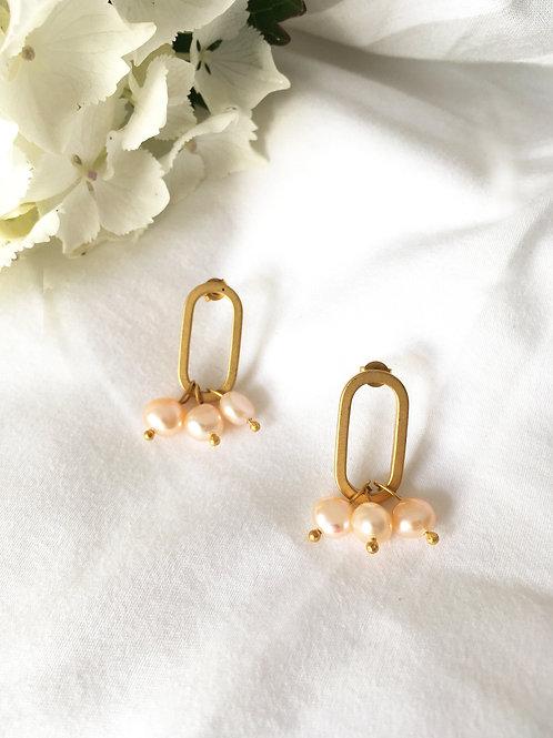"""Paire de boucles d'oreille """"Torino"""" en laiton doré à l'or mat 24 carats"""