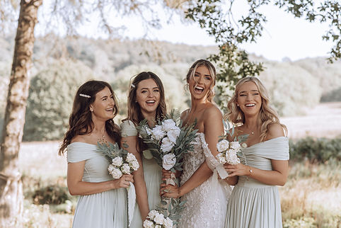 Oak Tree Barn Weddings. Wedding Photographers in Kent .jpg