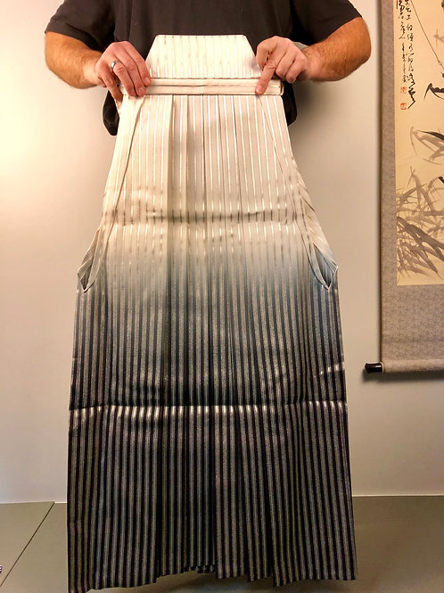 Master Hatamoto Hakama (Andon type)Striped;Beige/Black/Silver#0538