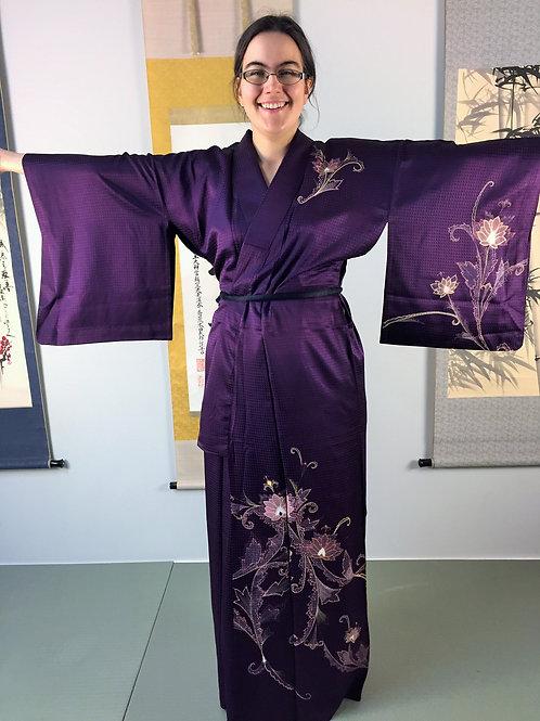 JAPANESE SILK KIMONO / PURPLE ANTIQUE KIMONO / FLORAL PLANTS#0351