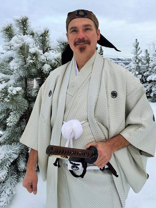 """Gorges Samurai White Silk """"Kimono & Haori"""", w/ 5 Samurai Mon #014"""