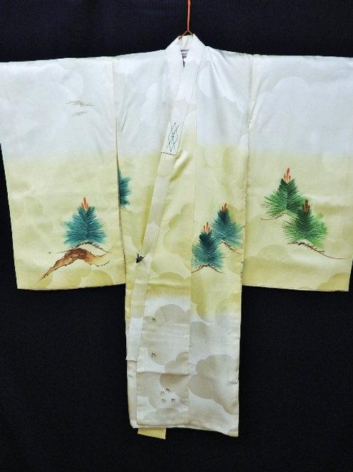 Boy's Japanese KIMONO; Light Yellow Silk w/Family Crests, Pine Tree #1515