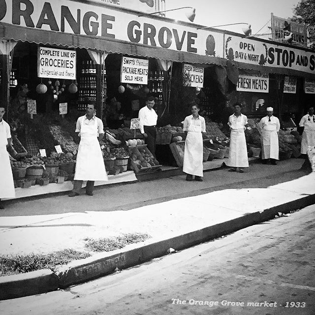 😳 do you see what I see_ 🍊◻️🔷🍊◻️🔷🍊 the Orange Grove Market - 1933 #BlueTileProject #BlueTile #
