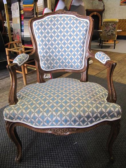 fauteuil-restauration-movat-1.JPG