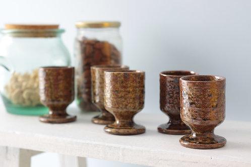 Tasses en terre cuite wabi-sabi