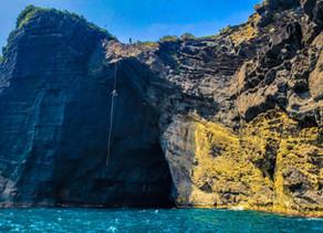 Rappel en Roca Partida: la cueva del pirata Lorenzillo
