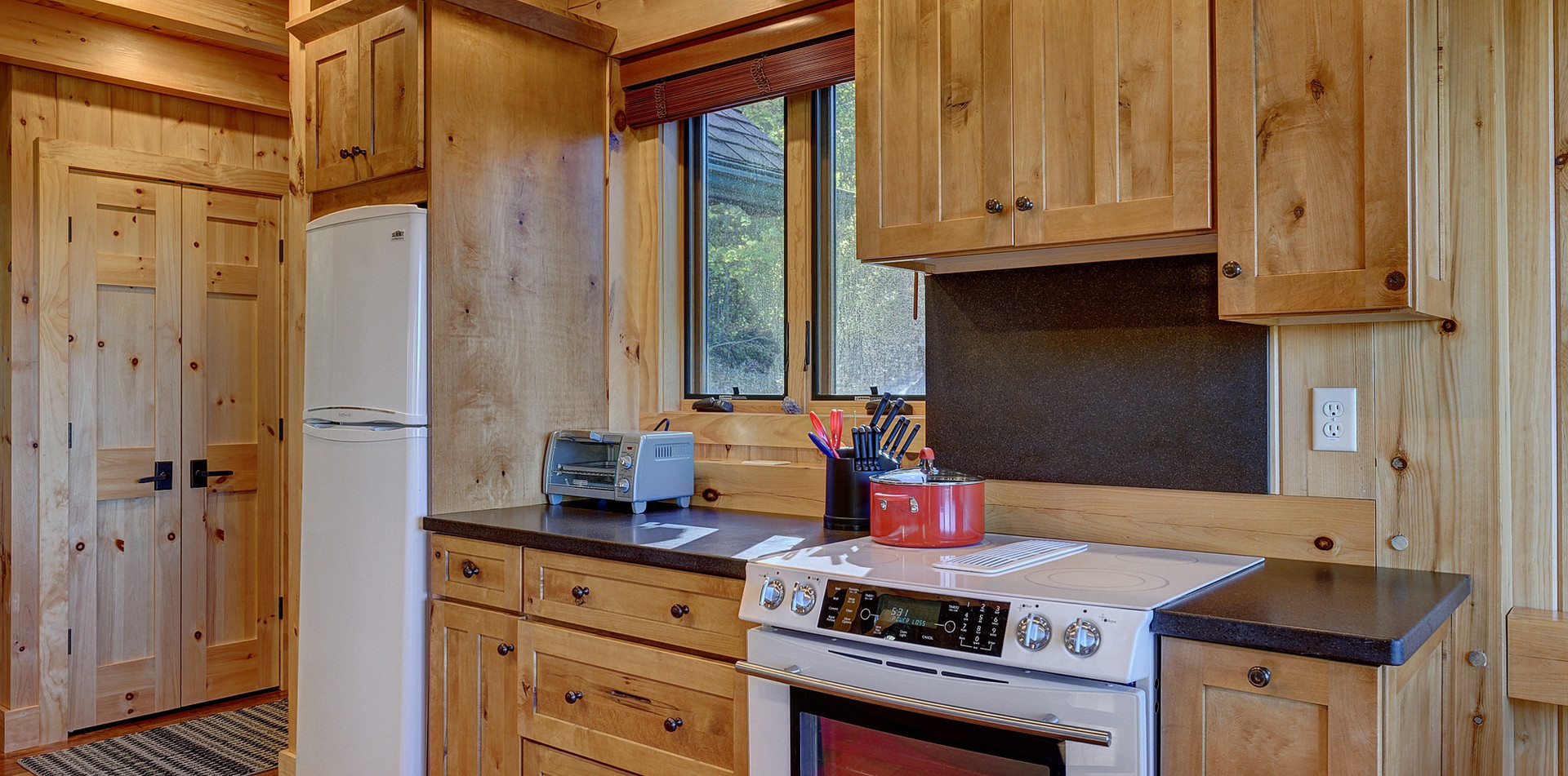 The fully equipped kitchen has everything you'll need to prepare a gourmet meal.
