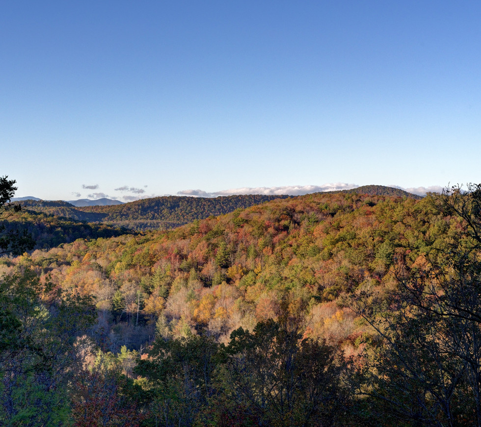 Enjoy breathtaking long-range mountain views from the back deck.