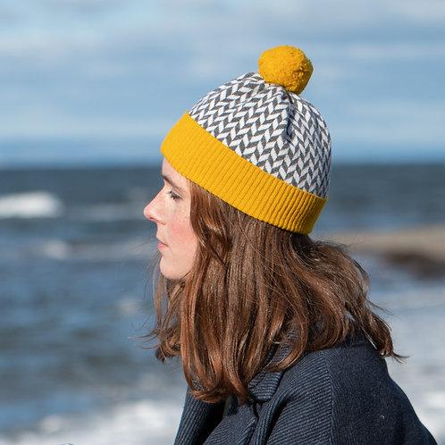 'Herringbone' hat in mustard yellow