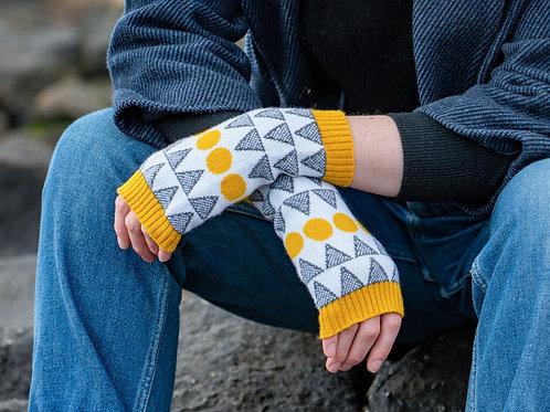 'Solar' in mustard - 100% lambswool wrist warmers