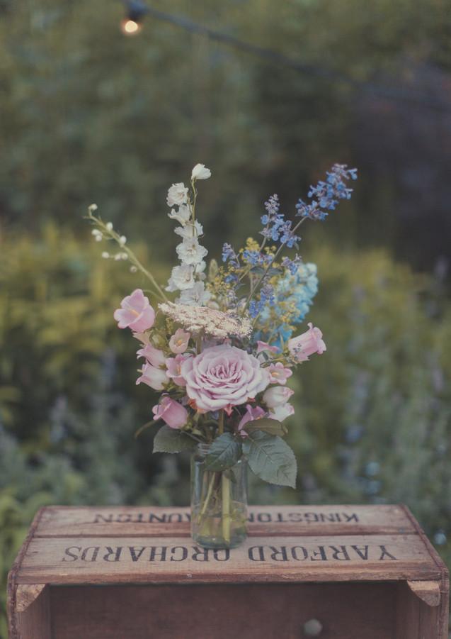 Simple Wedding Flowers _ Wiltshire Weddi