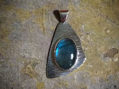 Silver pendant with Labradorite cabochon