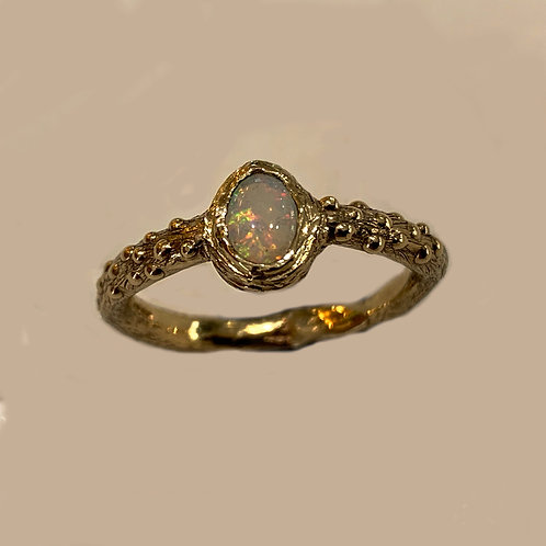 Opal Ring in 9 ct Gold