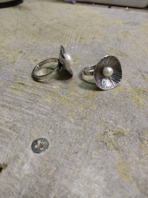 Silver rings with flower set Freshwater Pearls
