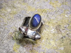 Silver ring with Labradorite cabochon