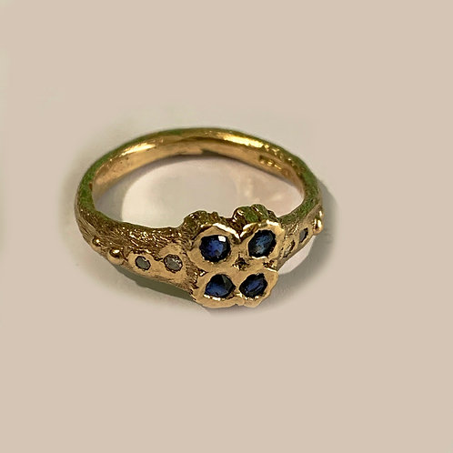 Sapphire and Diamond ring in 9 ct Gold
