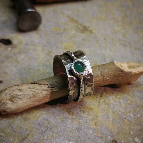 Silver spinning ring with Green Cornelian