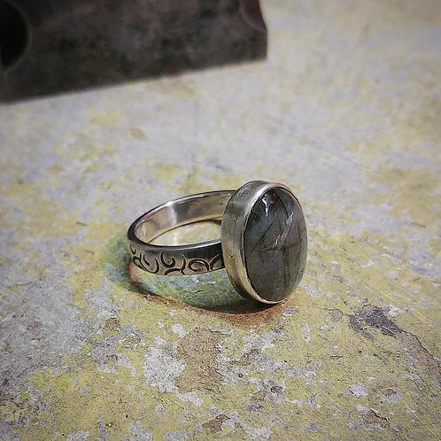 Sterling Silver ring set with an oval Labradorite Cabochon