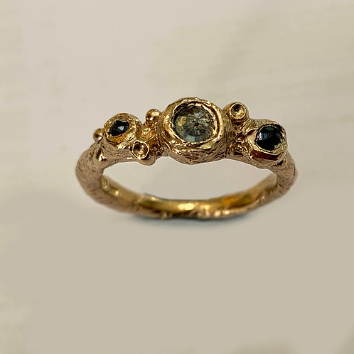 Three stone Sapphire Free Form Ring in 9 ct Gold