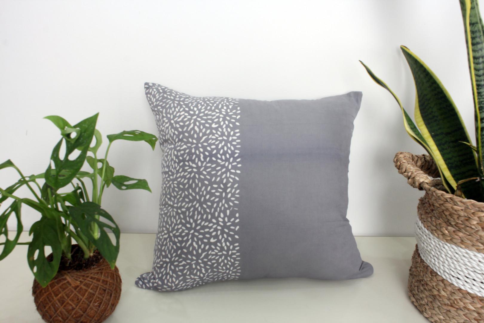 cushion beras abu.jpg